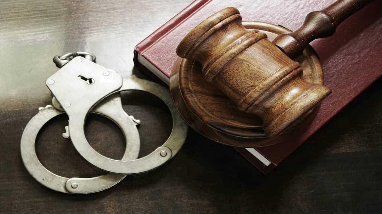 Directori de penitenciare în off-side legal