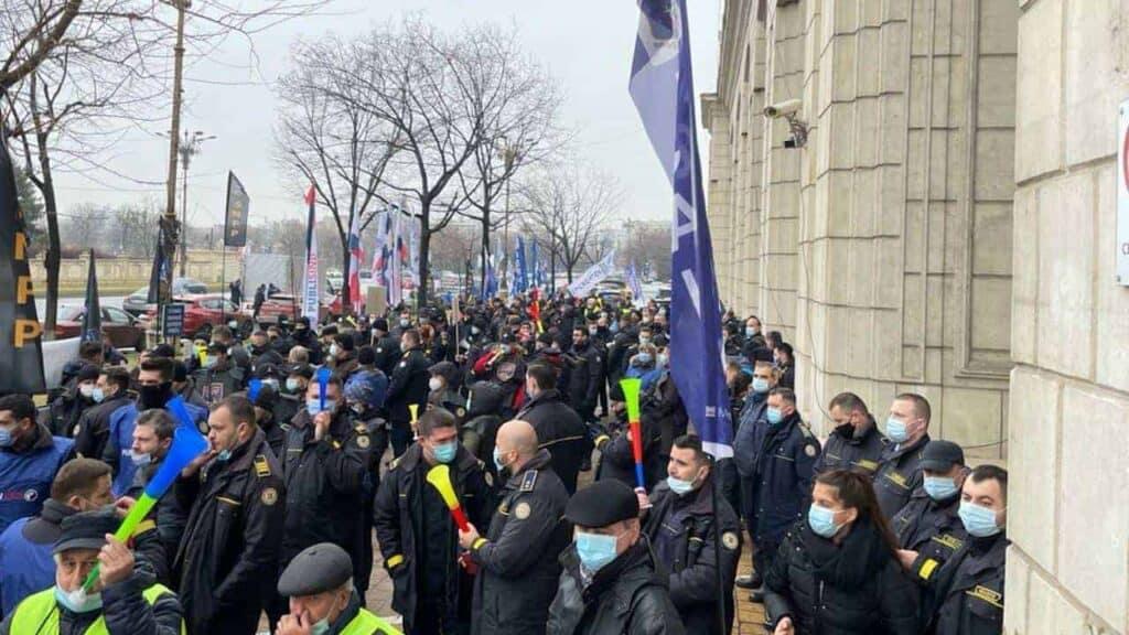 Protestele continuă! 22 februarie - Ministerul Justiției. 25 februarie - penitenciarele Aiud, Gherla și Miercurea Ciuc