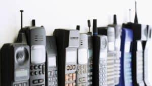 Accesul personalului cu telefon mobil în sectorul administrativ
